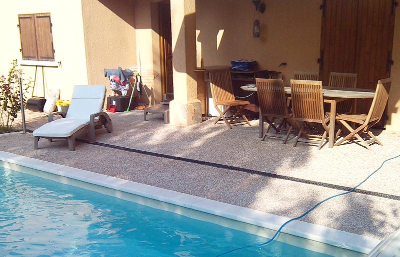 Piscine dulac paysagiste saint genis laval for Realiser piscine beton